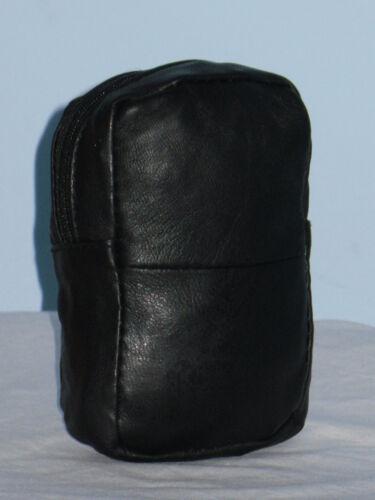 Une petite poche sac à main en cuir avec 2 zips en Mouton Noir Nappa faite par lorenz.