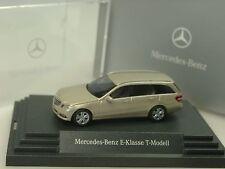 Busch Mercedes E-Klasse T-Modell S212, beige met. - 2443 - 1/87