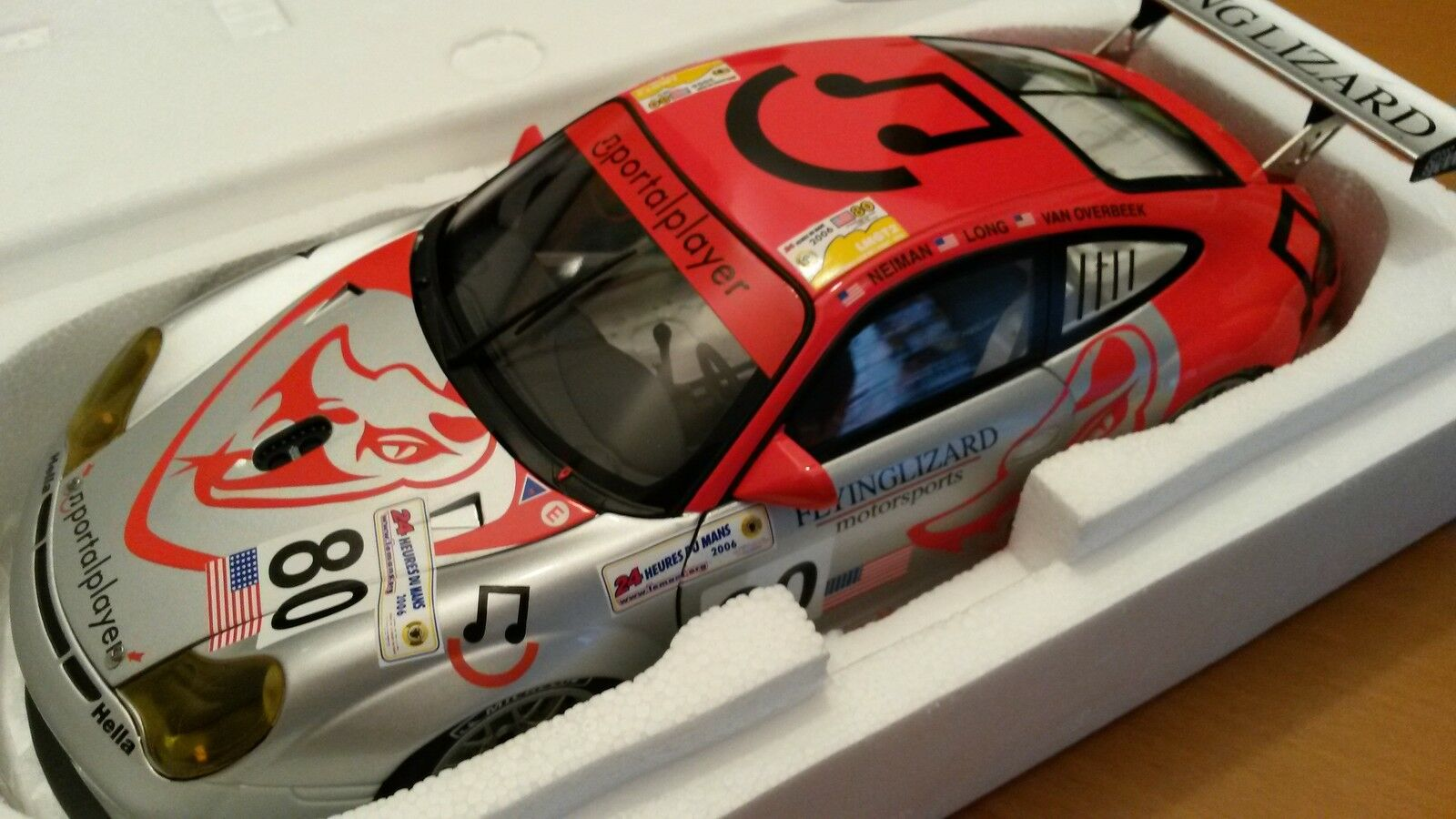 1:18 MINICHAMPS PORSCHE 911 GT3 RSR LE MANS 2006 #80 Flying Lizard