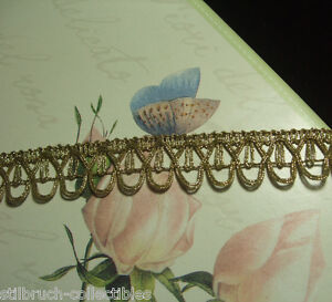 Antique-vtg-gold-metallic-lace-metal-trim-with-loops-costume-lamp-shade-1-034-WIDE