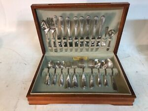 Holmes & Edwards Inlaid Silverplate Flatware Silverware Set 53 Pc