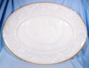 Vintage-Anchor-Hocking-Turkey-Platter-2390-Thanksgiving-Serving-Milk-Glass-Retro