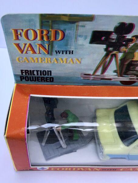 1960s Hong Kong In Plastica Frizione Ford Transit Con Tv Telecamera Uomo Ricco E Magnifico