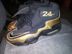 Ken griffey Jr's Sneakers Size 9 Black