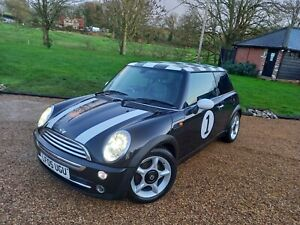 Mini-Cooper-1-6-perfect-condition-a-lot-of-money-spend