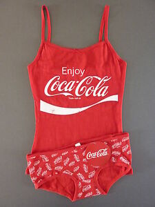 neu primark coca cola pyjama set m 40 42 tr ger top shirt slip coke rot wei ebay. Black Bedroom Furniture Sets. Home Design Ideas