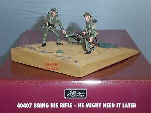 Britains 40407 L'armée britannique apporte son fusil un jour en métal jouet soldat Figure Set 36881404071