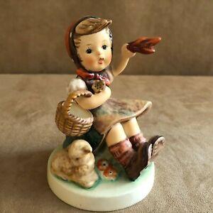 Farewell-Goebel-Figurine-65-girl-Waving-cloth-Germany-vintage-1979-Hummel