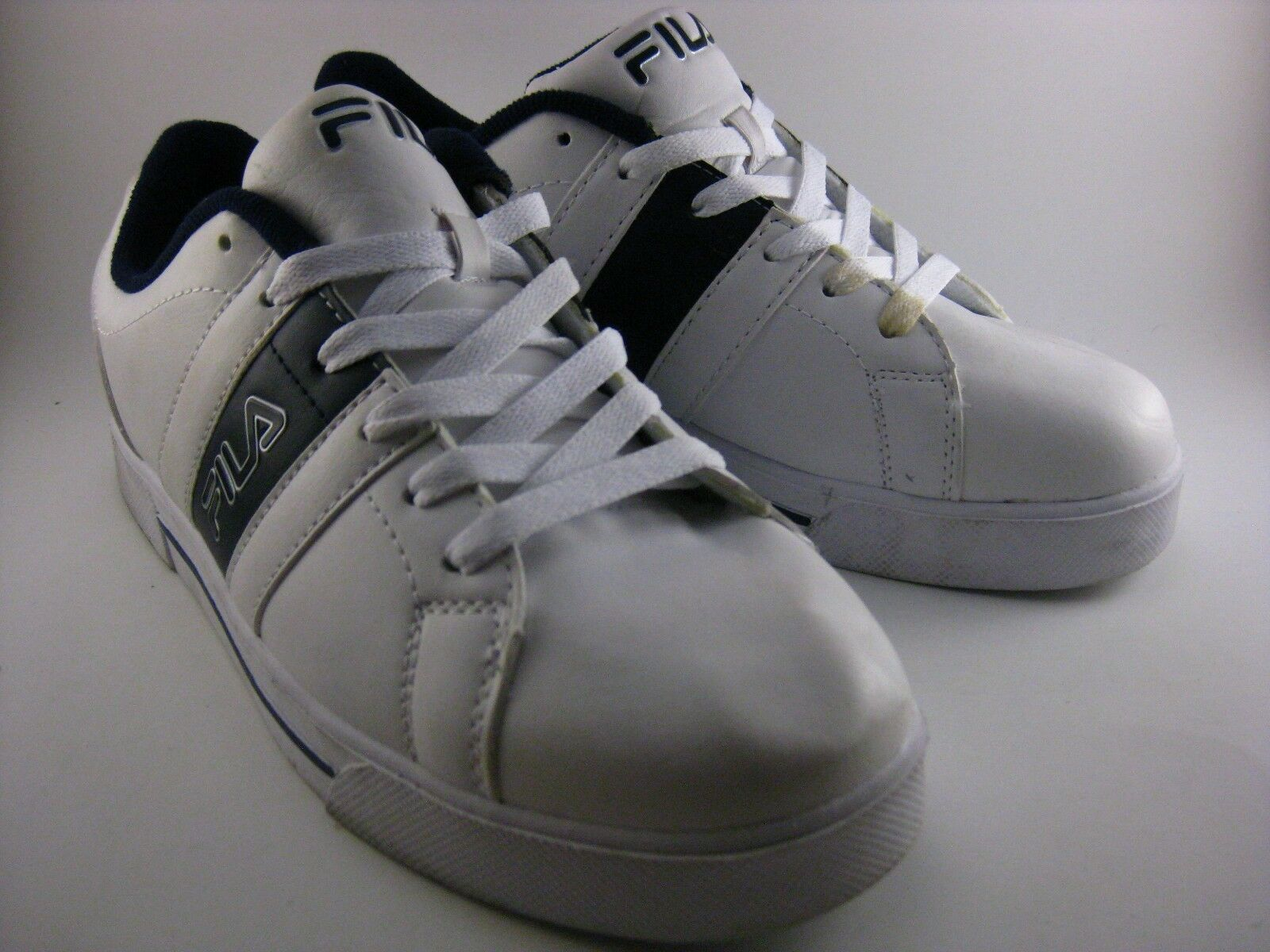 Fila Boca 6 White/Dark Navy Blue Athletic Shoes Price reduction 1SC60100-147 Price reduction Comfortable and good-looking