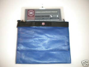 New-Victorinox-Large-Leakproof-Pouch-Sapphire