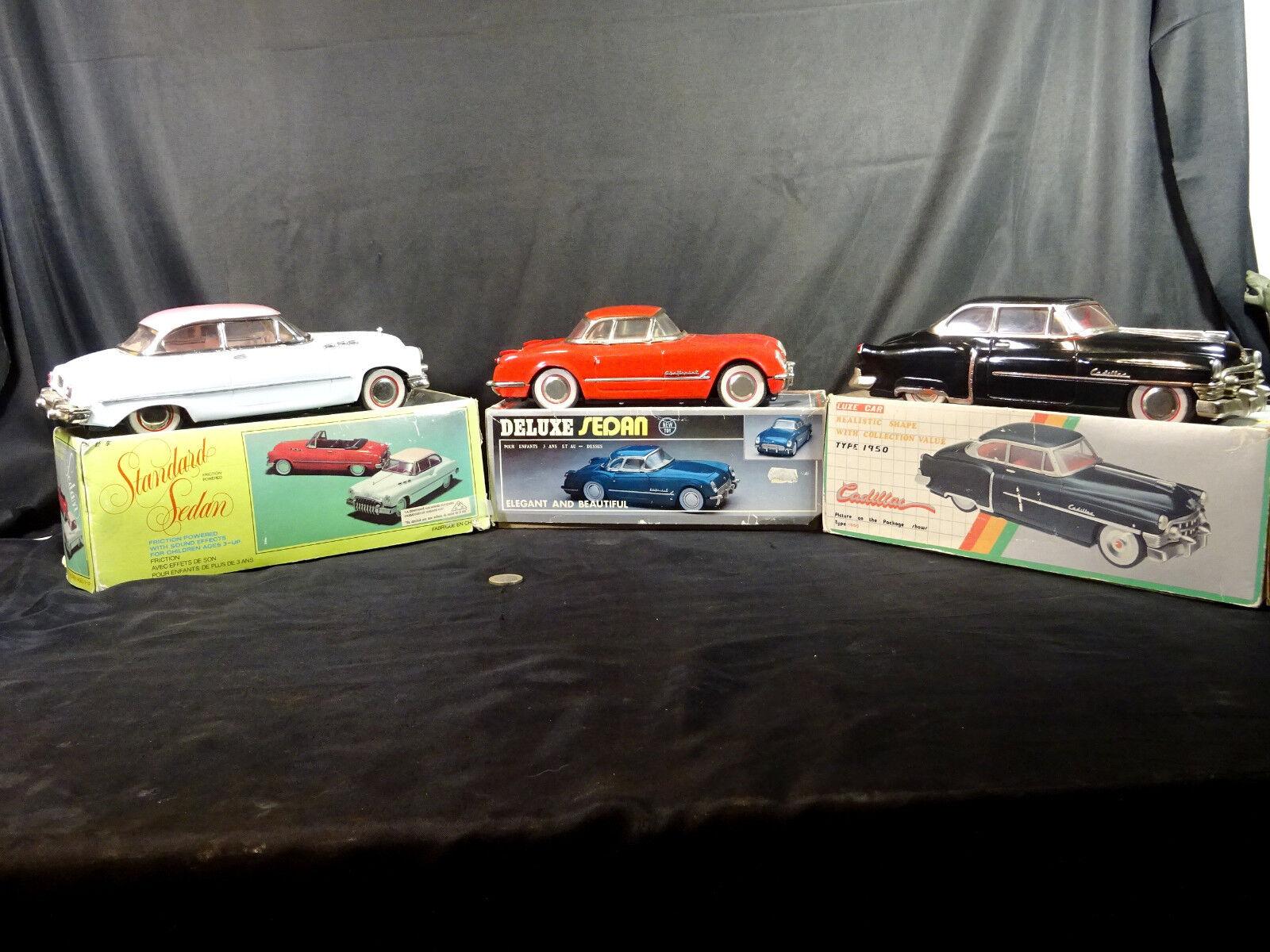 Lot de trois voitures à friction modéles années 50 époque 70 80 jouet ancien