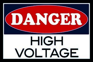 Danger-High-Voltage-Tin-Sign-Shield-Arched-Metal-Tin-Sign-20-x-30-cm-CC0954