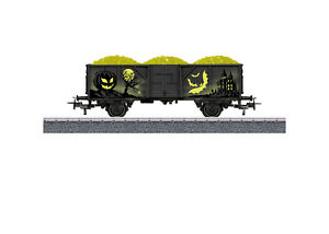 Maerklin-H0-44232-Halloween-Wagen-034-Glow-in-the-Dark-034-Neuheit-2019-NEU-OVP