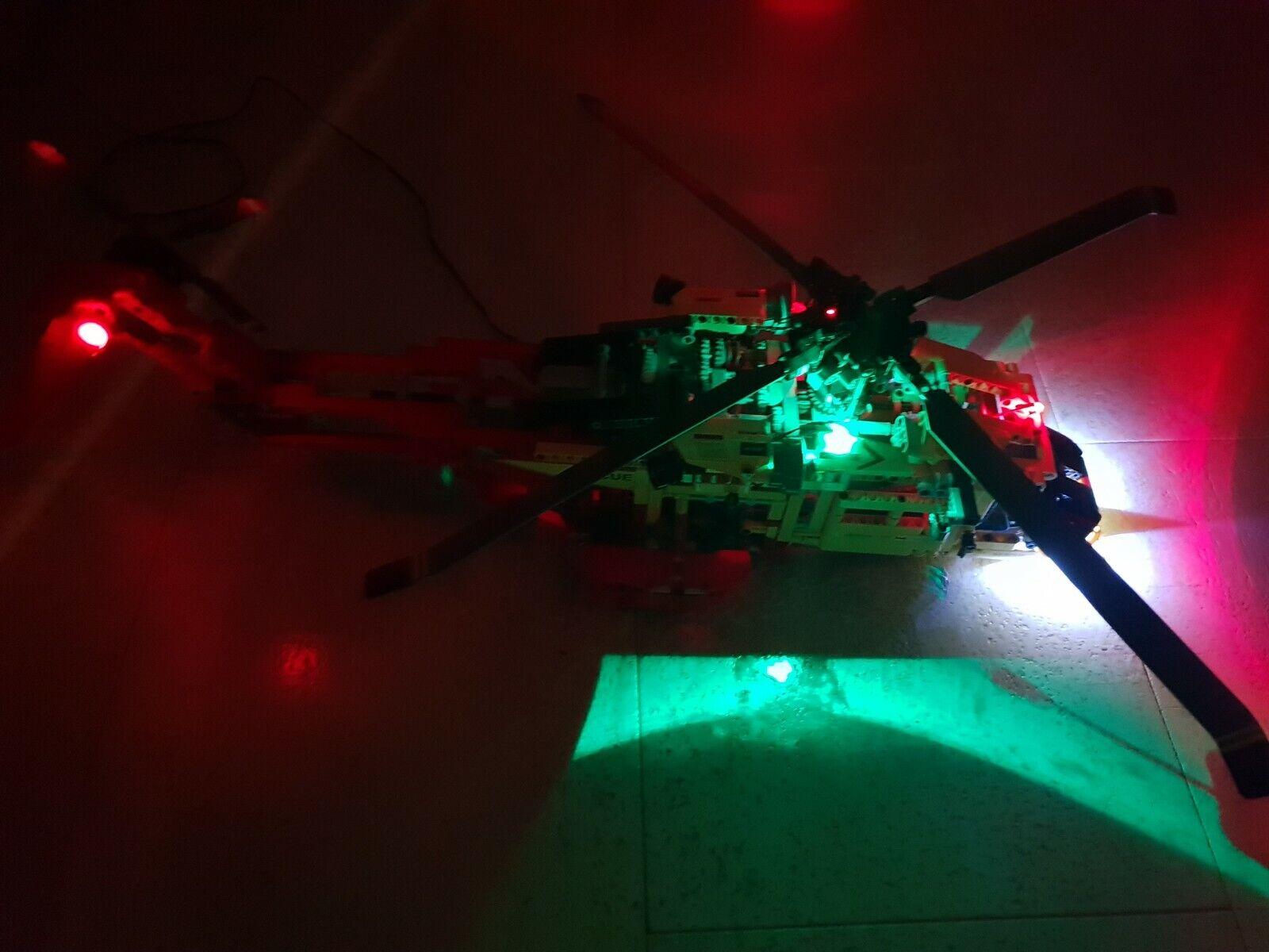 LED LEGO Technik 9396 Rarität Hubschrauber Helicopter Emergency mit Leuchten