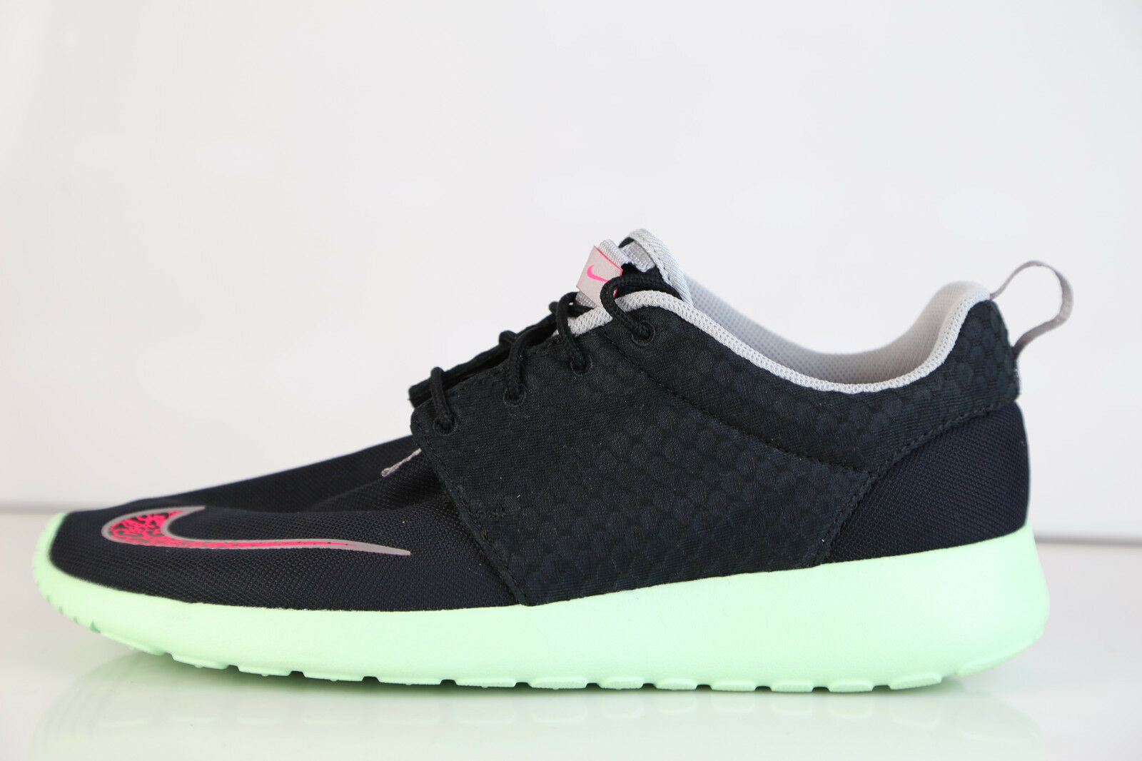 Nike rosherun fb yeezy - nero / rosa flash dare nuovo mnt chrome 580573-063 10