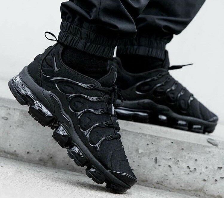 "NIKE AIR VAPORMAX PLUS TUNED - ""TRIPLE Noir "" - Hommes - 6 7 8 9 10 11 25/1KINGS"