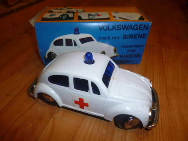 VINTAGE RARE PLASTIC WIND-UP VOLKSWAGEN BEETLE MEDICAL SERVICE 70s MIB