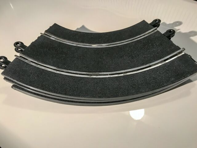 Scalextric C/137 Classic 1:32 Scale 4 x Banked Curves Electric Slot Car Track