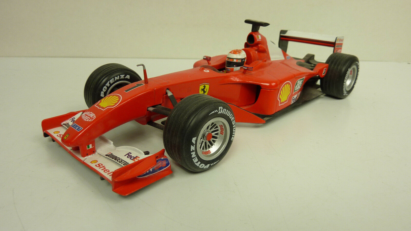 Mattel Hot Wheels 1 18 Michael SCHUMACHER FERRARI f2001 O. VP (a1736)