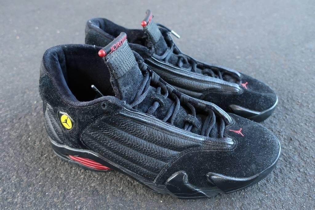 2005 Nike Air Jordan XIV Bred Shoes Size 11 Black Red Suede Vtg