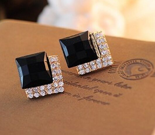 One Pair Fashion Women's Elegant Crystal Rhinestone Ear Stud Earrings Jewelry