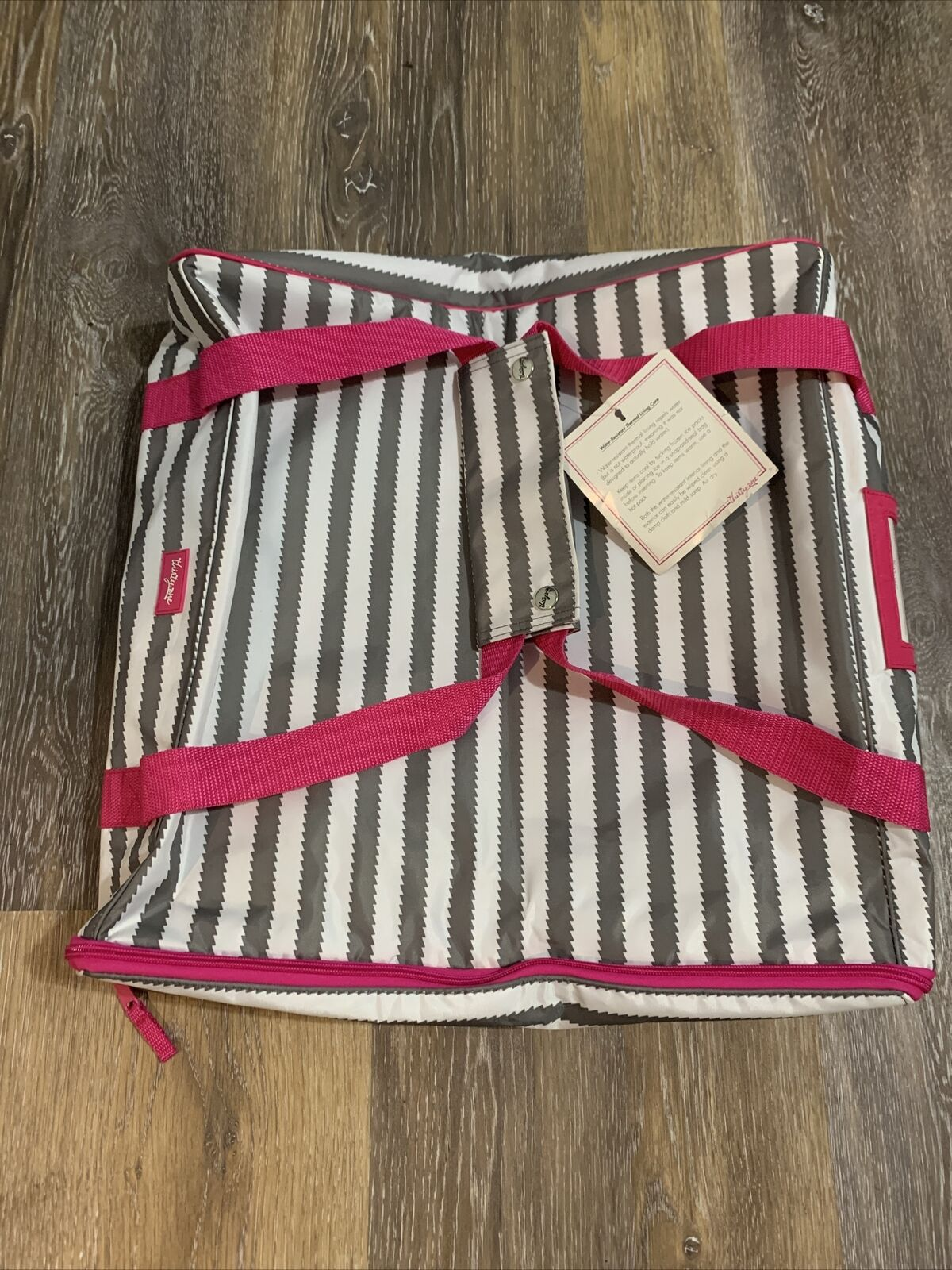 THIRTY-ONE Pack A Party Thermal Tote for Casseroles Grey Wave Pink-NEW