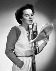 OLD-CBS-RADIO-PHOTO-Mercedes-Mccambridge-on-the-radio-program-Big-Sister-4