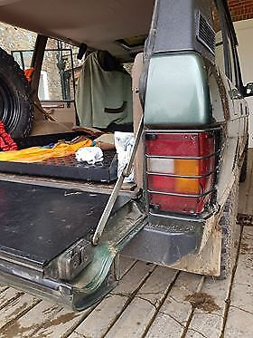 CLASSIC RANGE ROVER REAR LIGHT GUARDS 1970 TO 1996
