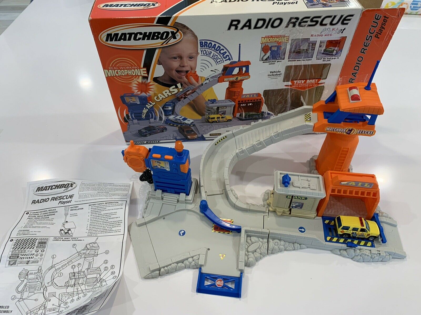 MATCHBOX Radio Rescue Playset véhicule inclus 2001 complet