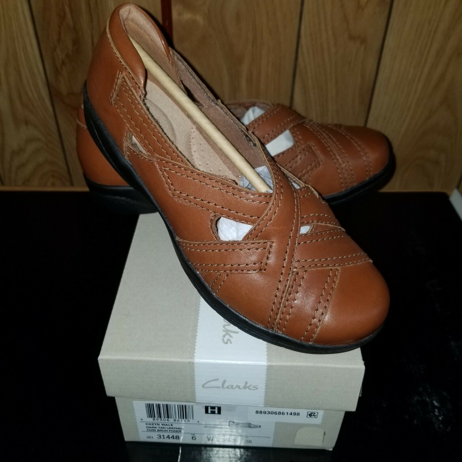 Clarks women's Leather Loafer slip slip slip on walking comfort size 6Wide 5138ef