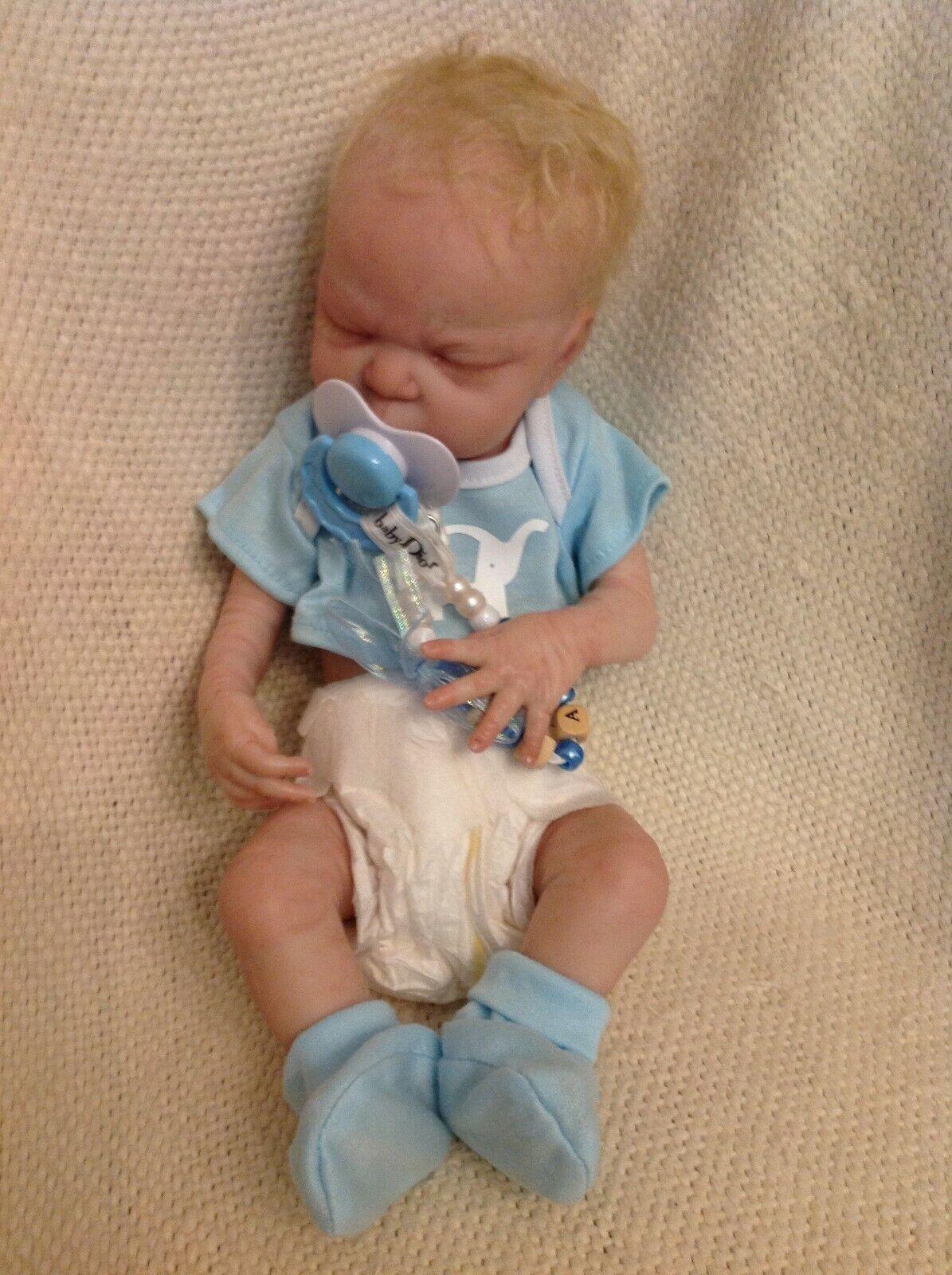 Rare 2017 Linzi Beautiful Baby Nursery Doll with Accessories L@@@K