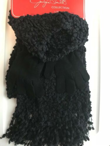 Gloves Red Ivory or Black Hat Scarf JACLYN SMITH COLLECTION 3 Piece Set