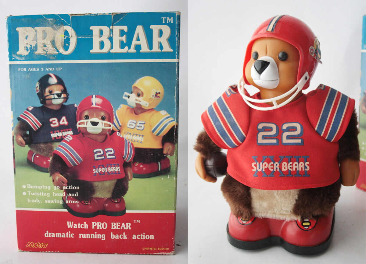 RARE VINTAGE 1986 PRO BEAR 10  RUGBY BATTERY TOY BY METRO TAIWAN NEW NOT WORKING