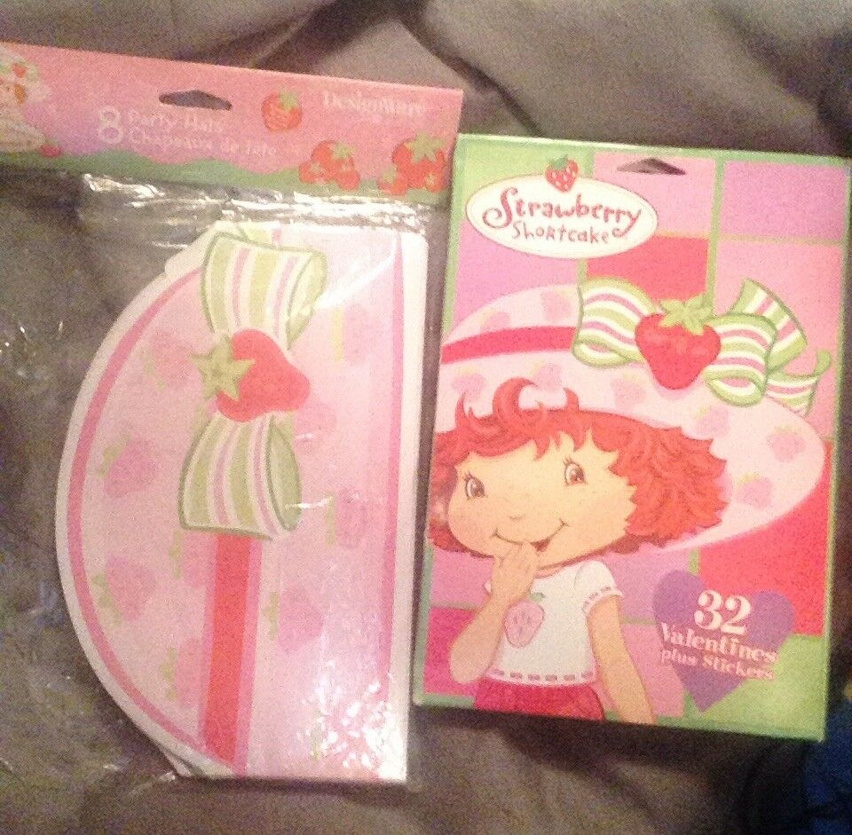 NEW STRAWBERRY SHORTCAKE 8 PARTY HATS   PARTY SUPPLIES
