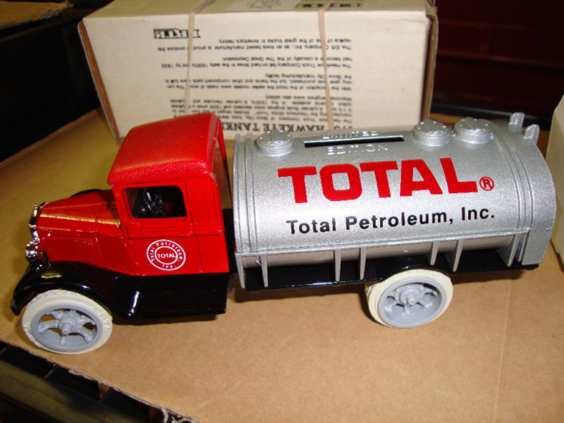 TOTAL PETROLEUM SPECIAL RUN  1931 HAWK TANKER  2968