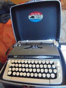 vintage Smith Corona Galaxie II manual typewriter in hard plastic case--very goo