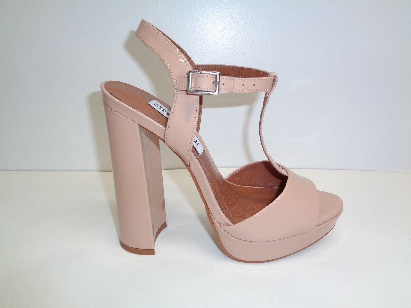 Steve Madden Taille 5.5 M KINDER Beige Patent Leather Sandals New femmes chaussures