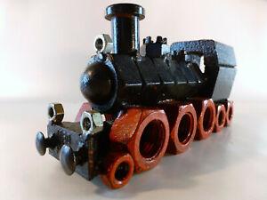 Lokomotive-aus-Muttern-und-Metallteilen-gefertigt-25-cm-4-3-kg-schwer