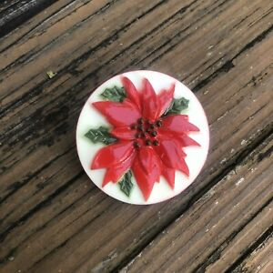 Vintage-Christmas-Poinsettia-Circle-Brooch-Red-Green-Holiday-Flower-Pin-Plastic