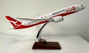 Qantas-100th-Anniversary-Large-Plane-Model-Boeing-787-9-1-150-41cm-Centenary