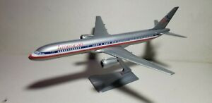 WOOSTER-W166-AMERICAN-AIRLINES-OC-757-200-1-200-SCALE-PLASTIC-SNAPFIT-MODEL