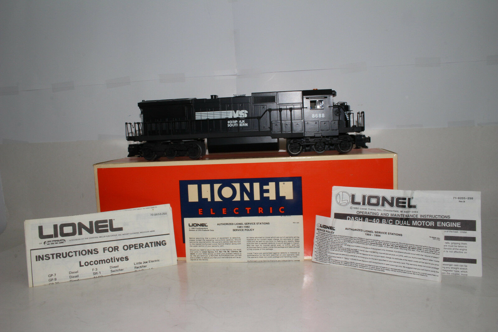 Lionel O Escala  6-18213 Norfolk Southern Dash 8 40-C Motor Diesel Locomotora