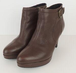 Clarks-Indigo-Womens-9-5-Booties-Boots-Platform-Heels-Brown-Leather-Buckle-amp-Zip