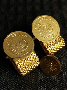Vintage Gold Tone Round Scorpio Tie Tack and Matching Mesh Wrap Around CuffLinks