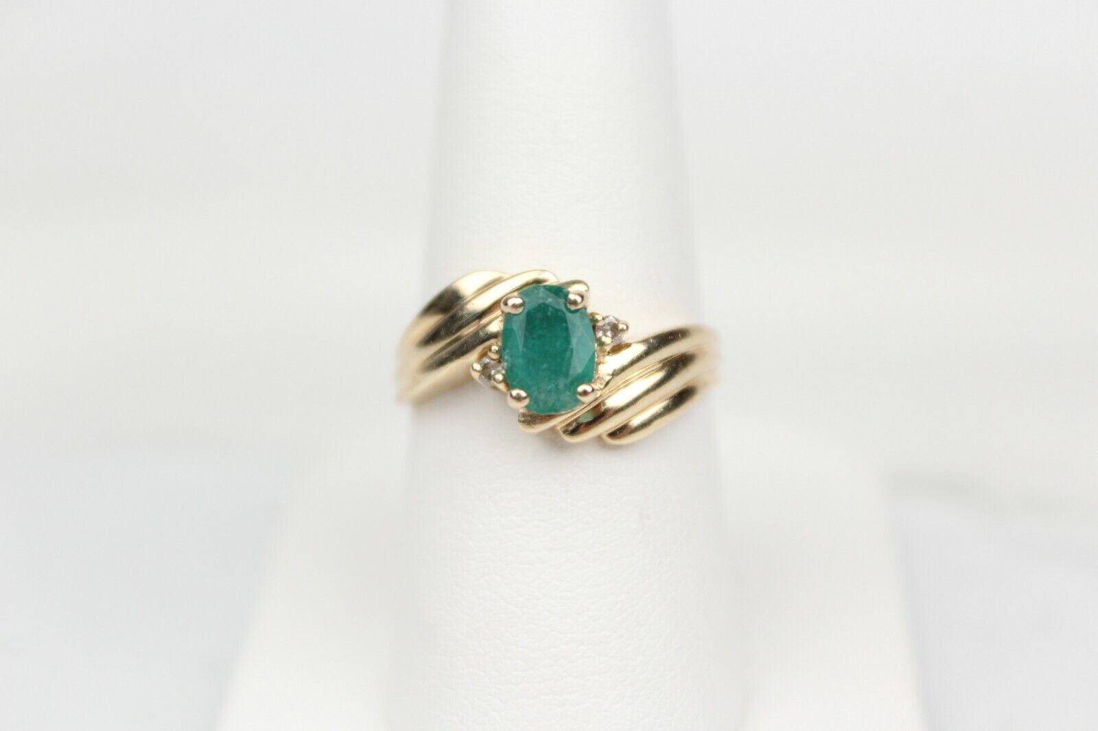 14k Yellow gold Genuine Emerald Ring w  Diamond Accents Sz 7