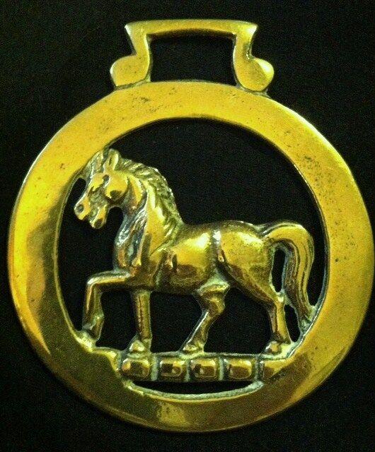 TredTING STALLION ON HERALDIC TORQUE Horse Harness Brass England BIG & BEAUTIFUL