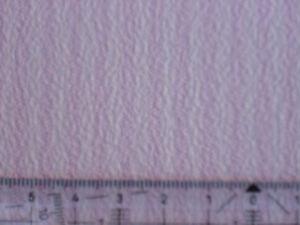 ZART-ROSA-WEISS-GESTREIFTE-TAPETE-PUPPENSTUBE-30x53cm