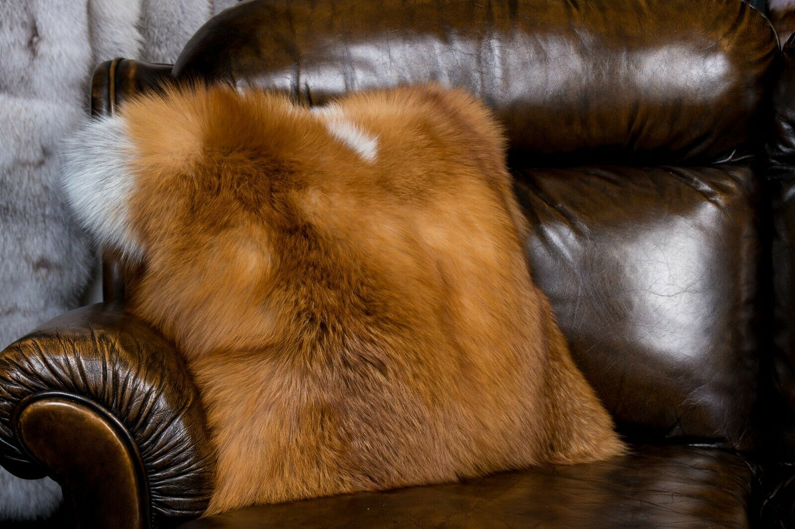 382 Rotfuchskissen aus kanadischen Füchsen - doppelseitiges Fell - Echtfell Fell