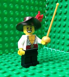 Lego-Swashbuckler-Minifigures-Musketeer-Sword-Feather-City-Town-71007-Series-12