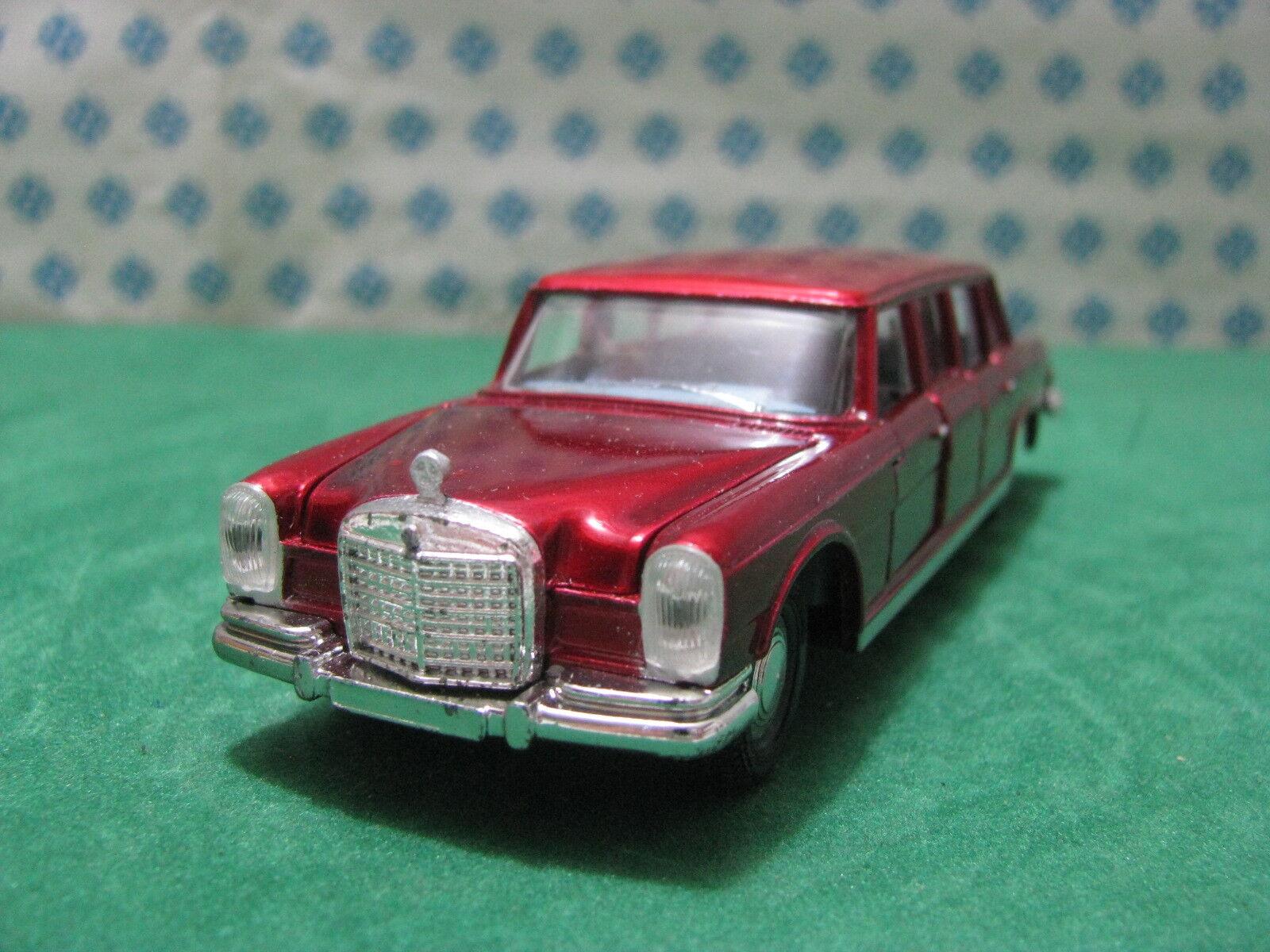 Vintage   MERCEDES-BENZ  600 PullFemme con figure   1/43  Dinky toys 128 | De Qualité Supérieure
